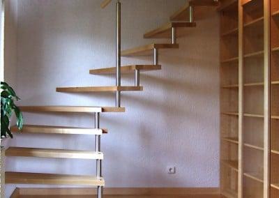 Treppe und Bücherschrank