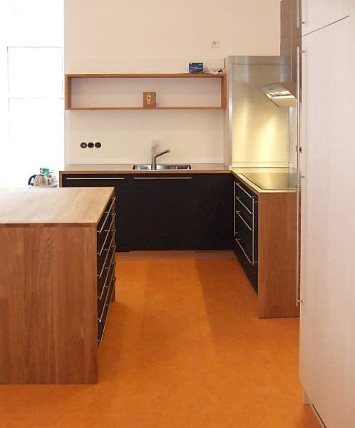 Küche Eiche geölt mit Linoleumfronten