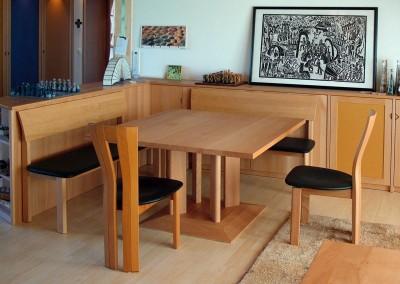 Tisch und Bänke aus Buche